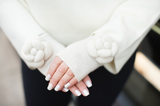 camelia gloves pearls