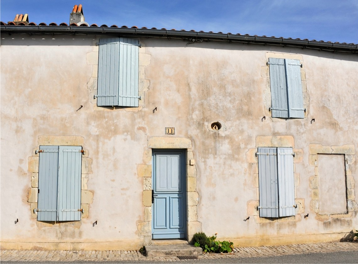 house in les portes