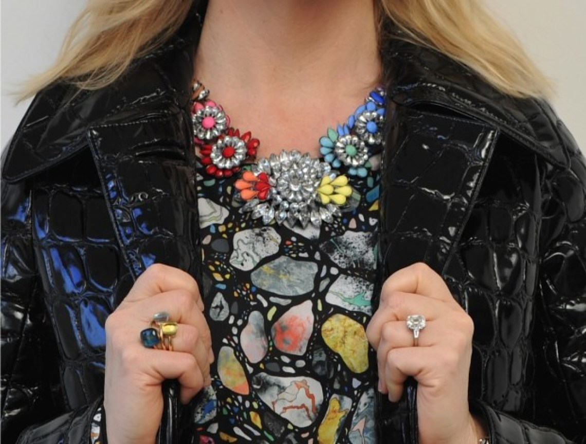 Statement necklace, statement rings, colour!