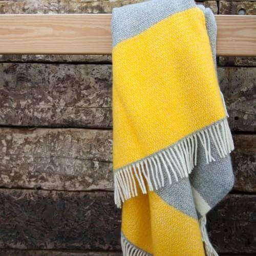 Atlantic Blankets Yellow Windmill Block Throw
