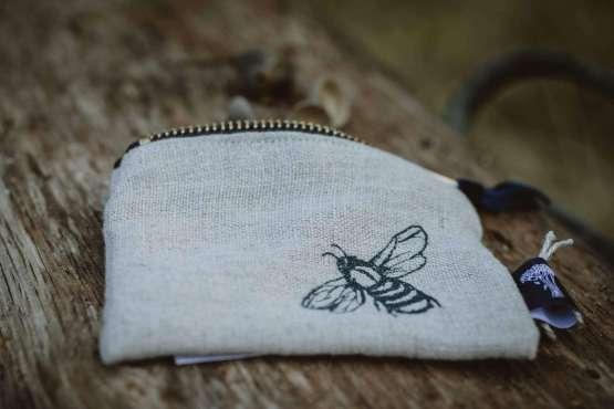 bee coin purse main