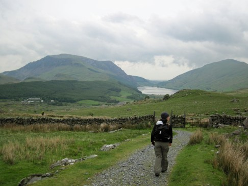 Valerie and Leo heading back down to Rhyd Ddu.