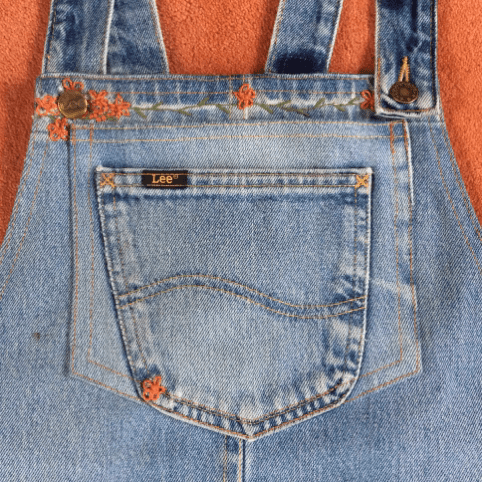 embroidery on pinafore