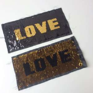 Reversible applique Love
