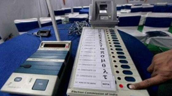 EC orders repolling in six booths in Gujrat, Officials forget to wipe mock drill poll results on EVMs