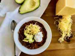 Slow Cooker Beef & Bacon Chili featured