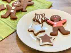 Easy Cookie Icing featured plated cookies
