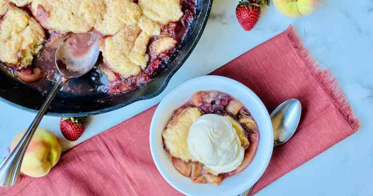 Old-Fashioned Skillet Peach & Strawberry Cobbler