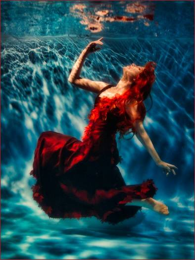 Red wig underwater spirit of autumn how to make hair look good underwater
