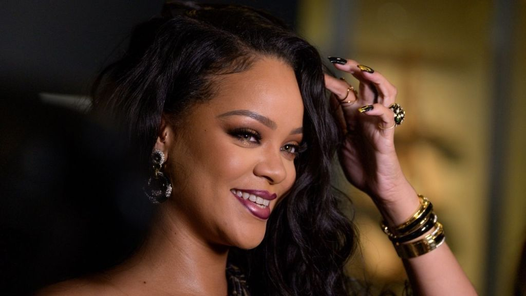 """""""Why aren't we talking about this?"""" Rihanna tweets about farmers protest"""
