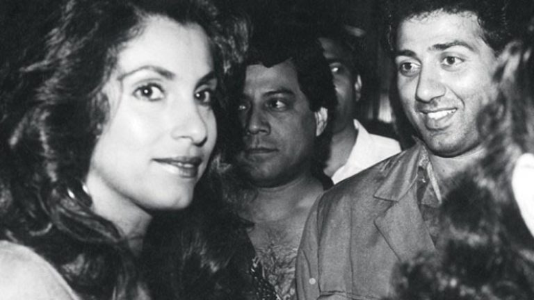 Sunny Deol and Dimple Kapadia spotted together after 4 years