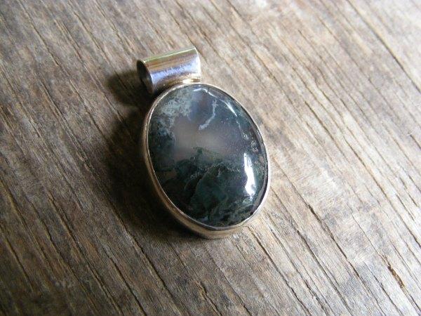 Moss Quartz Oval Pendant