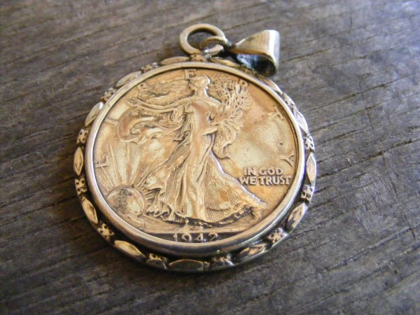 Marquis Walking Liberty Pendant 2