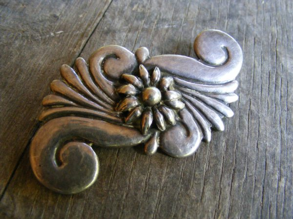 Swirl Pin – Vintage Mexican