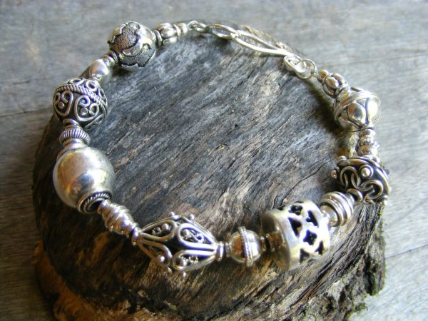 Chunky Decorative Bead Bracelet