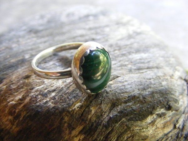Malachite Ring with Scallop