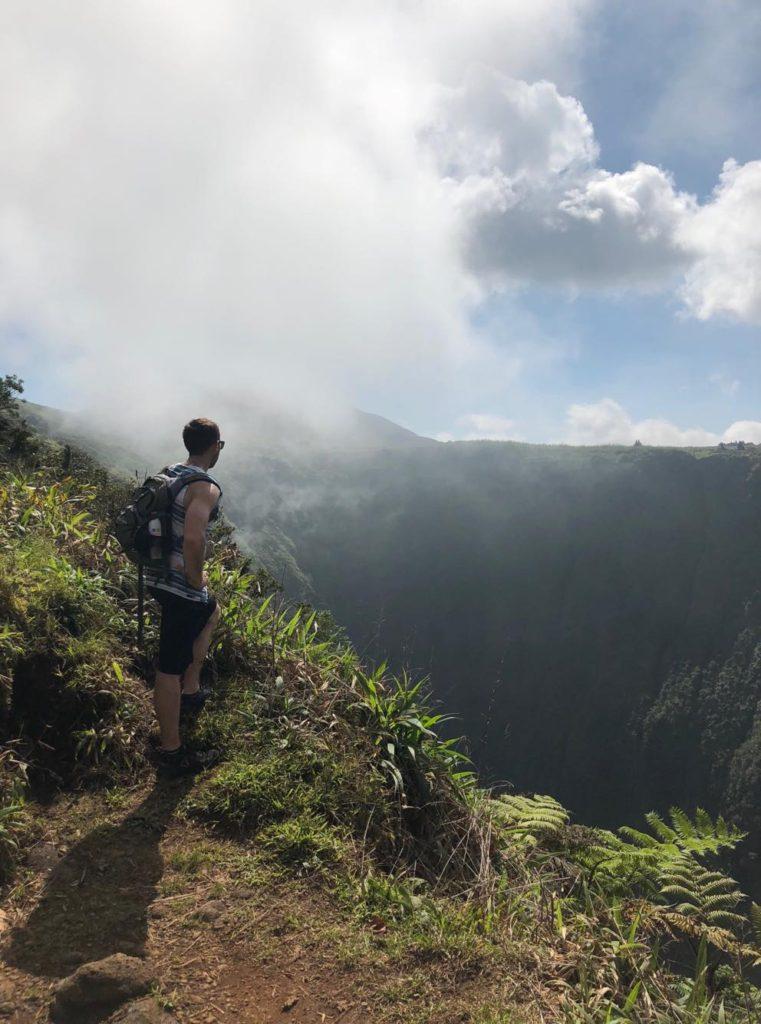 white road hike, waipio valley, waimea, kamuela, honokaa, south kohala, hamakua coast, hiking, waterfalls