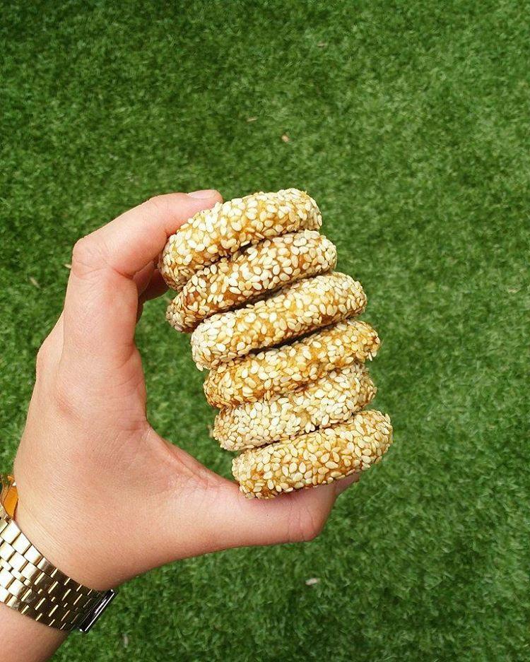 ¿Han probado mis Galletas Rápidas de Tahini y Avena? Son una súper forma de incorporar calcio y fibra en nuestra dieta, y están libres de azúcares y harinas refinadas. ¡Son lo máximo! Les dejé el link directo a la receta de estas deliciosas Galletas Rápidas de Tahini y Avena en mi perfil ☝ [.] [.] [.] [.] http://thesimplelife.cl/galletas-rapidas-de-tahini-y-avena/