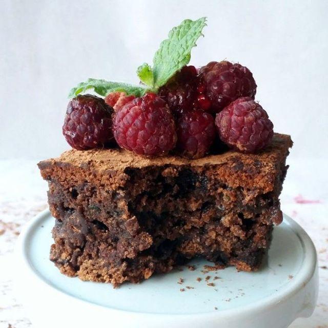 Nunca adivinaras que estos increbles brownies tienen verduras escondidas Encuentrahellip