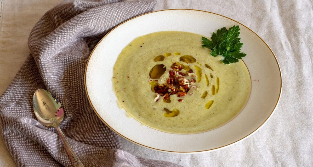 Creamy Chilled Zucchini Curry Soup
