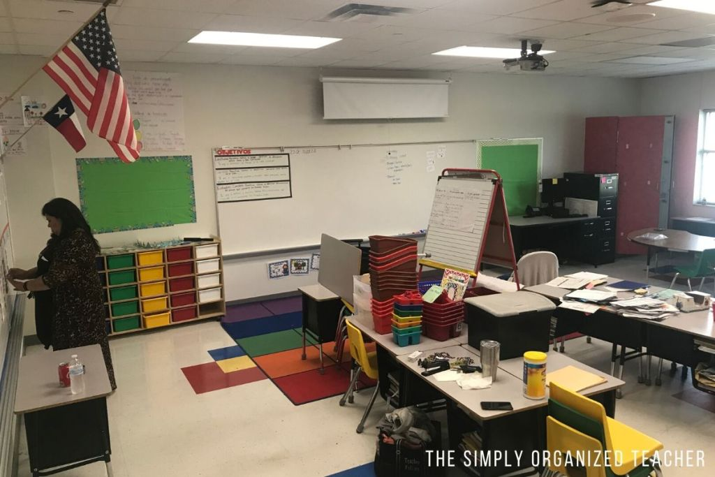 Classroom makeover of a teacher who took over a classroom mid year.