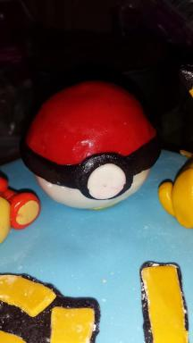 Fondant and Cereal Treat Pokeball