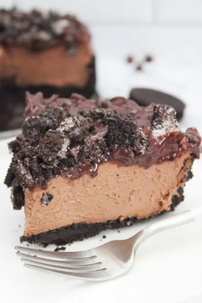 This instant pot death by chocolate cheesecake is made with an Oreo cookie crust.
