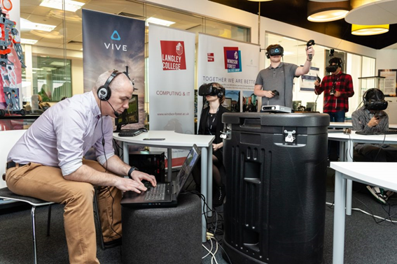 virtual reality VR HTC vive learning center