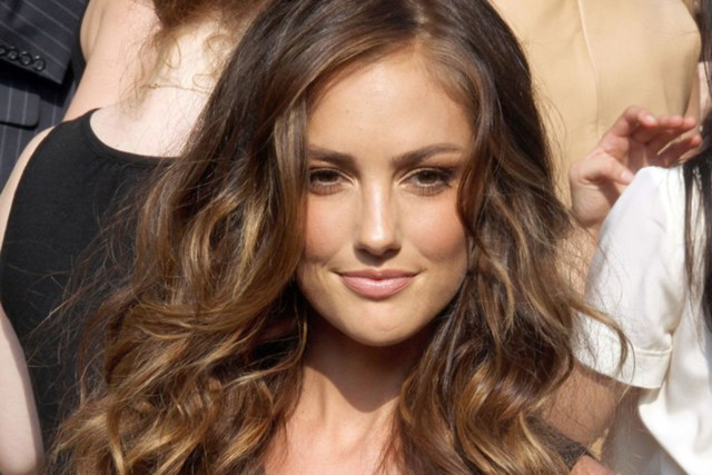 wavy hairstyles: best cuts and styles for long, naturally