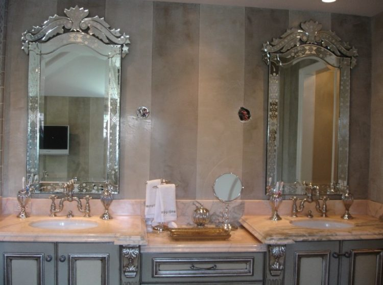 Enjoy Your Bath Time With These Beautiful Design of Bathroom Mirror Ideas 2