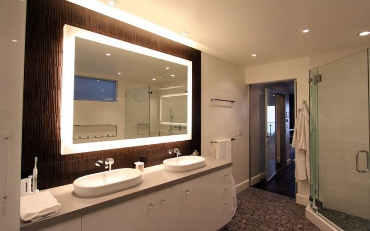 Enjoy Your Bath Time With These Beautiful Design of Bathroom Mirror Ideas 4