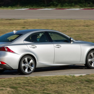 2014-Lexus-IS350-side-on-track