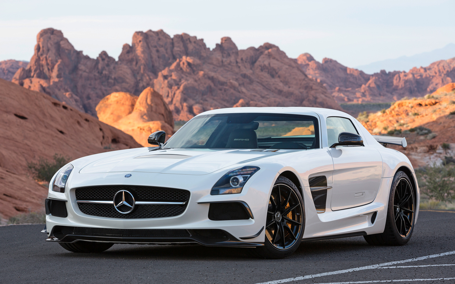 2014-Mercedes-Benz-SLS-AMG-Black-Series-front-three-quarters