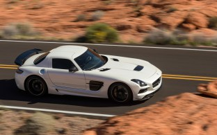 2014-Mercedes-Benz-SLS-AMG-Black-Series-top-view-in-motion-2
