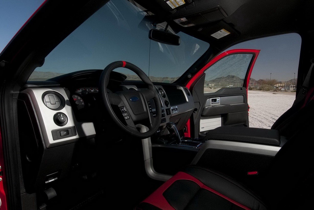 Shelfy-Ford-SVT-Raptor-6[2]