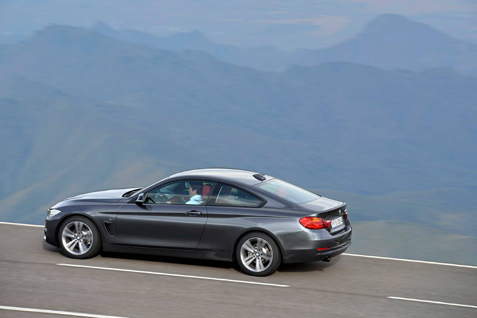 SMADEMEDIA 2014 BMW 4 SERIES COUPE (34)