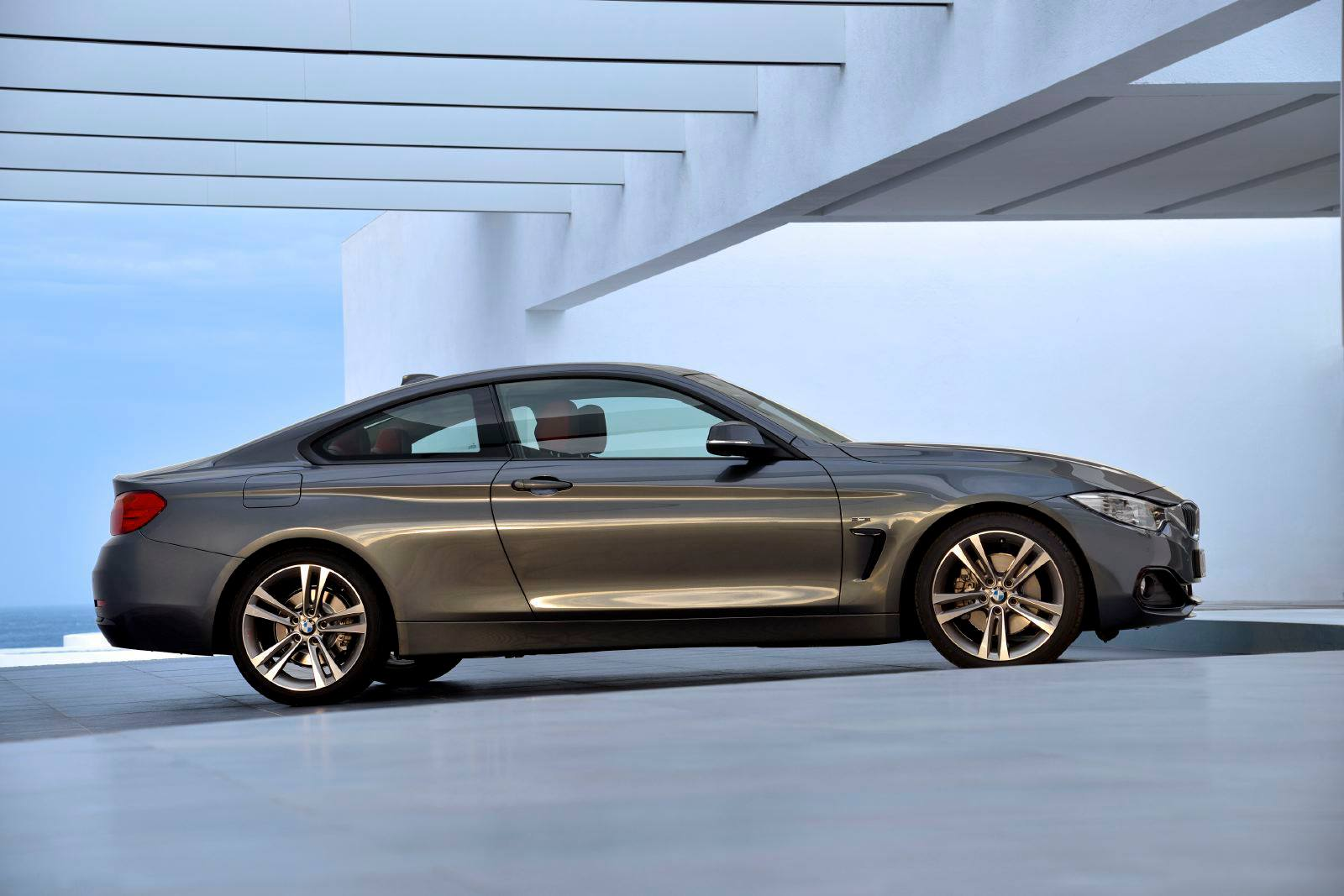 SMADEMEDIA 2014 BMW 4 SERIES COUPE (35)