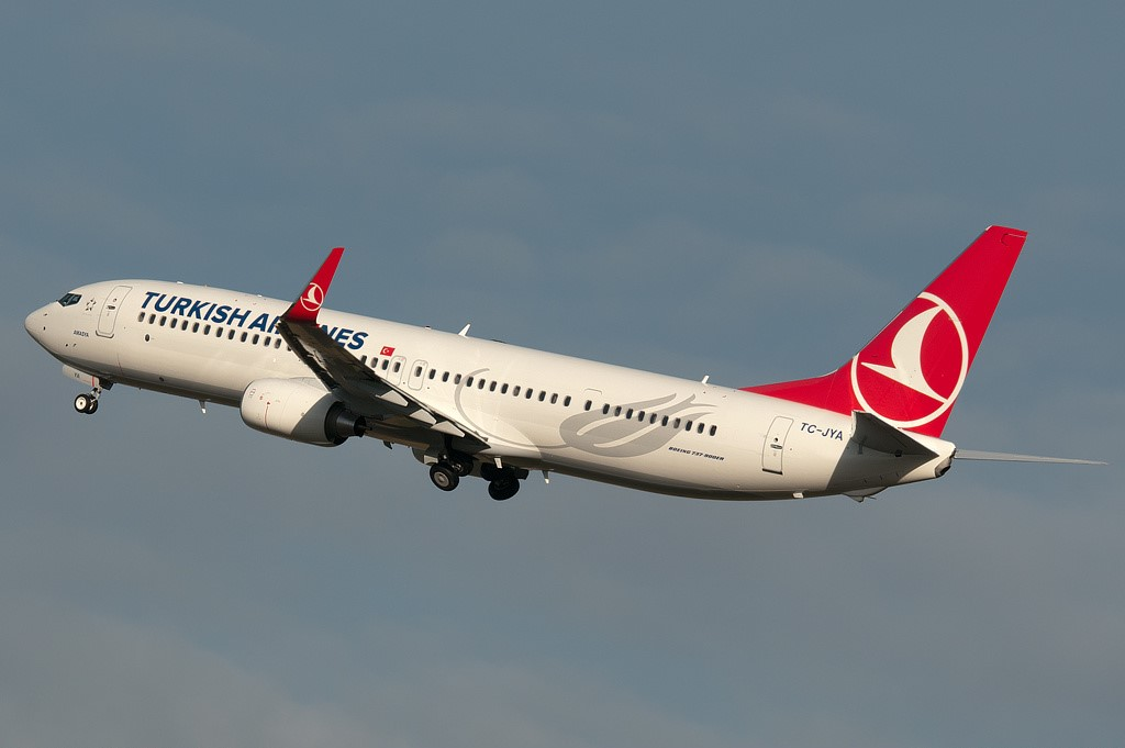 SMADE MEDIA - Turkish Airlines Boeing 737-900ER TC JYA - WWW (1)