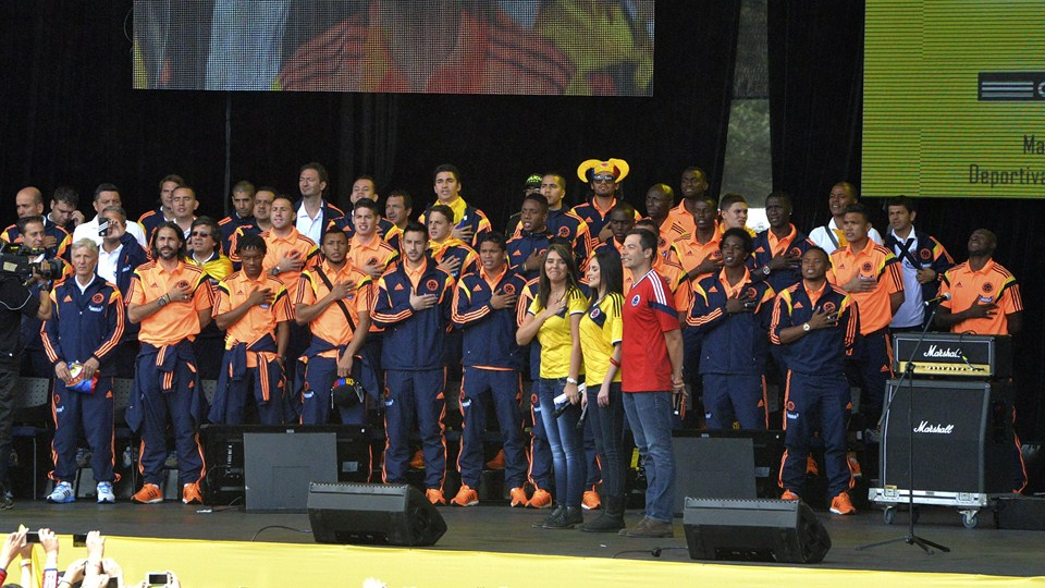 SMADE SPORTS - 2014 FIFA WORLD CUP - COLOMBIA NATION TEAM CELEBRATES ACCOMPLISHMENTS - WWW.SMADEMEDIA (5)