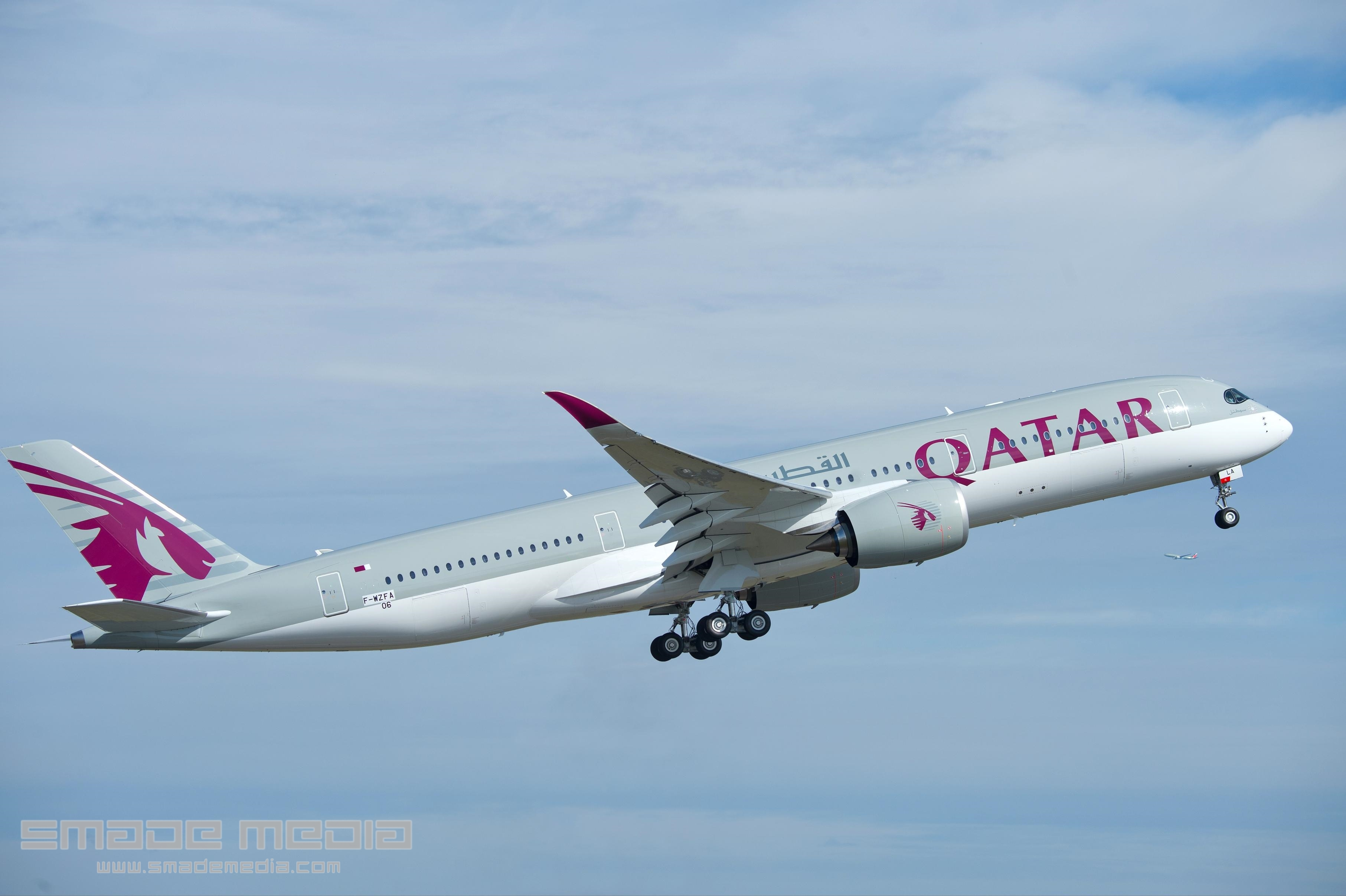 QATAR A350 Roll Out AND First Flight - SMADE MEDIA (9)