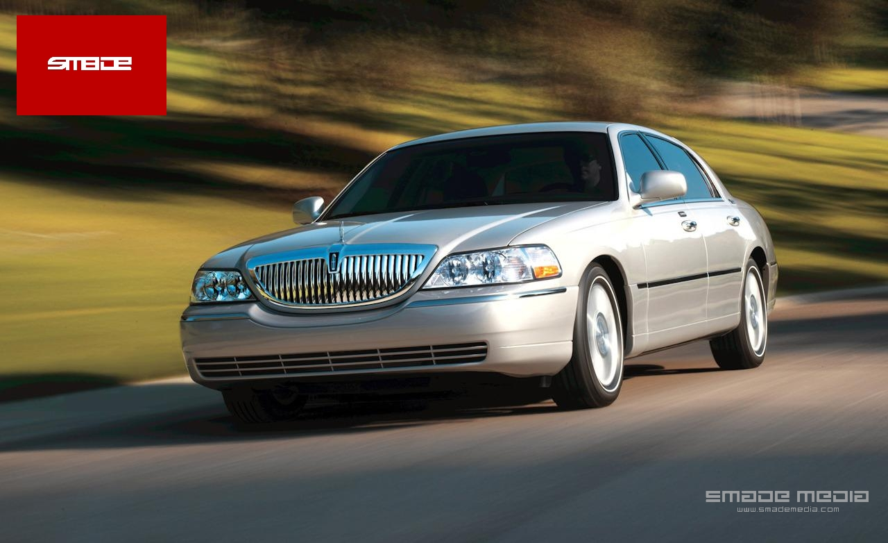 2008 Lincoln Town Car - SMADE MEDIA (1)