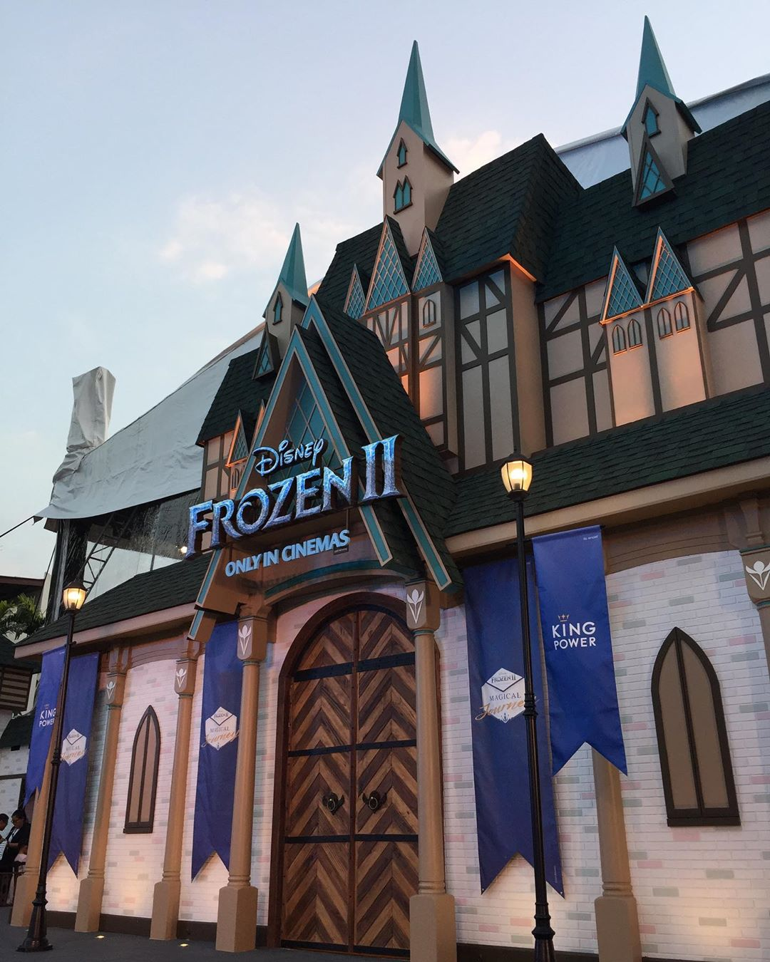 Bangkok Has A Free Frozen 2 Theme Park With Enchanted Photo Zones And Exclusive Disney Collectibles