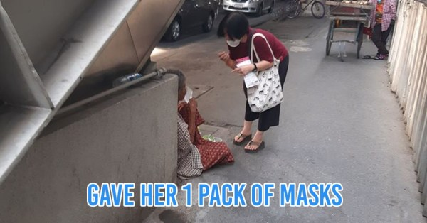 Kind Aunty Gives Medical Masks To Homeless Grandma For Protection Amid Wuhan Virus, Teaches Her How To Use It Correctly