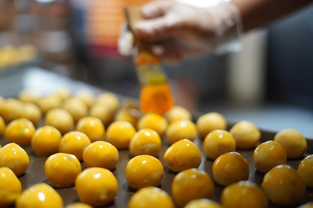 kele singapore pineapple tarts cny snacks