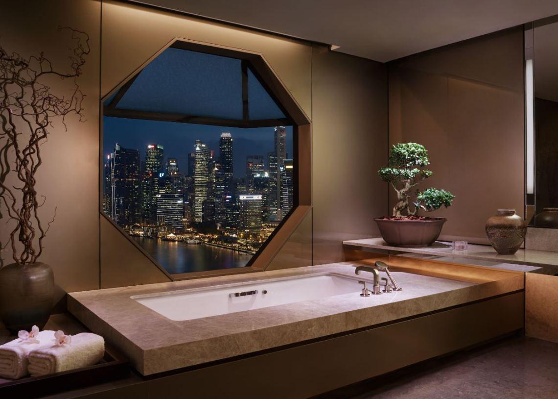 ritz suite jacuzzi tub