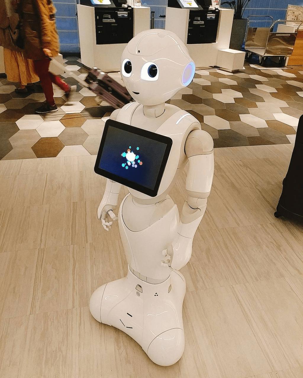 Hotel Sunroute Osaka Namba Dotonbori Pepper Kun robot