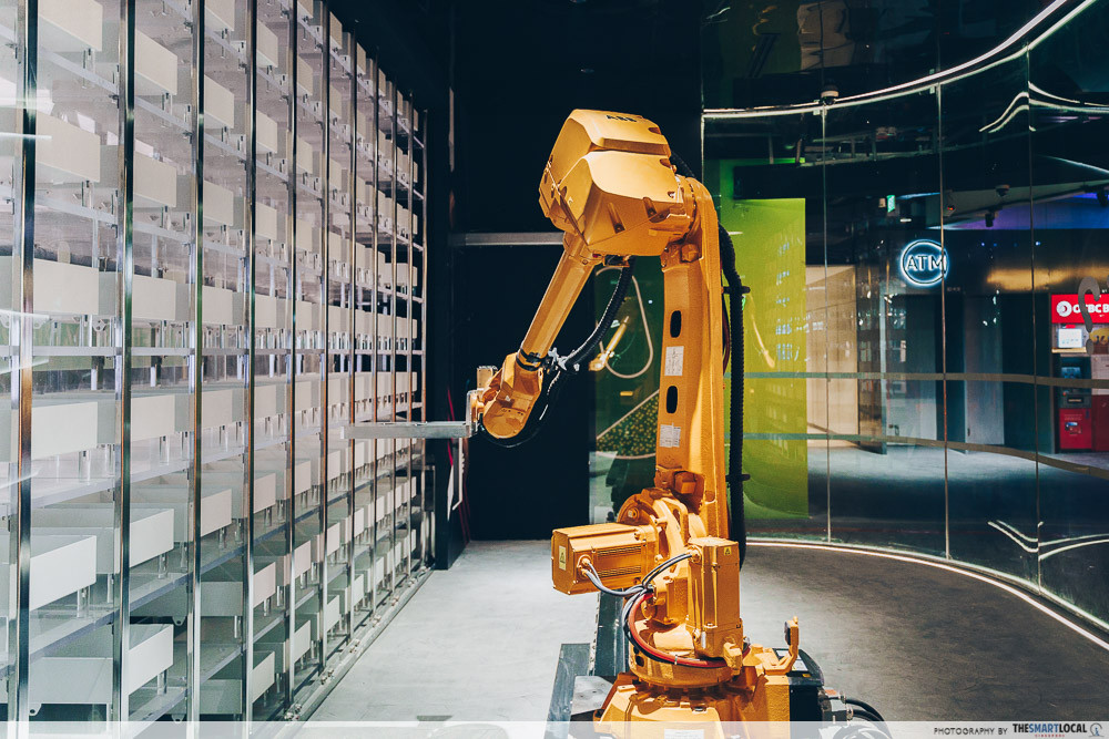 Hands free shopping robot Funan
