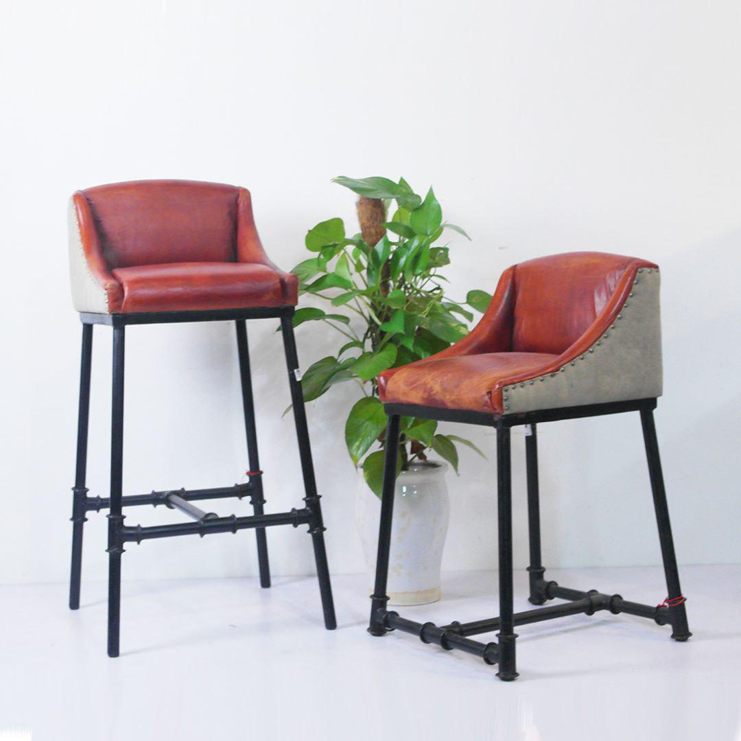 Secondhand furniture stores in Singapore - Red Saga Seeds Furniture & Collectibles