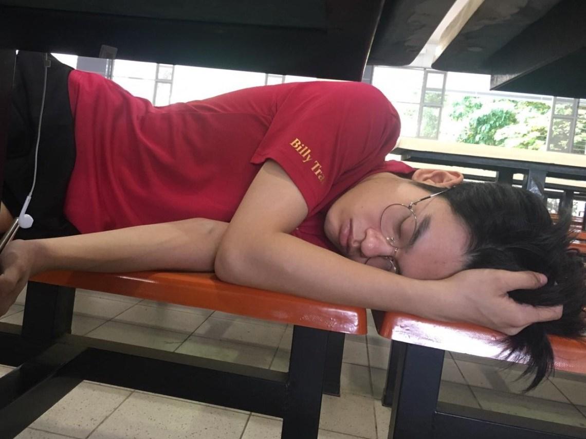 sleeping in school again - insomnia and sleep anxiety