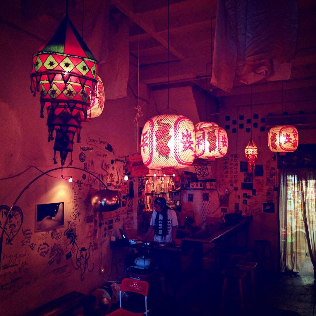 23 Bar and Gallery - interior design